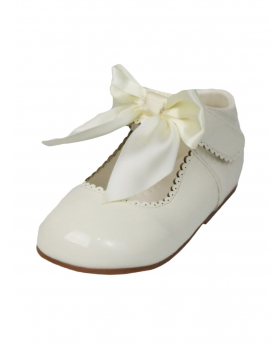 Girls Hook And Loop Shoes in Ivory With Satin Bowview of the left shoe