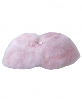 View of the Girl Cape of Faux Fur in Pink