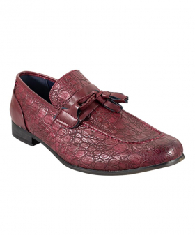 View from the right shoe of the Men's Brindisi Moccasins Loafers Leather Shoes in Dark Red