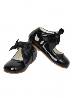 Girls Black Hook And Loope Shoes With A Bow